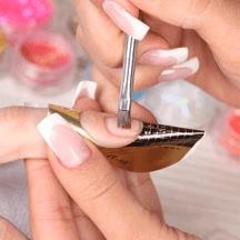 Гелевая технология моделирования ногтей